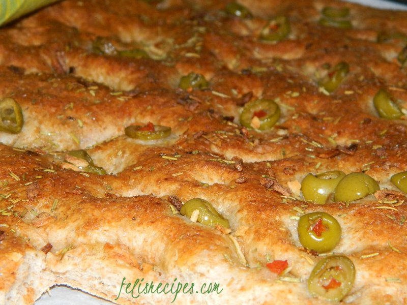 green-olives-flat-bread-1
