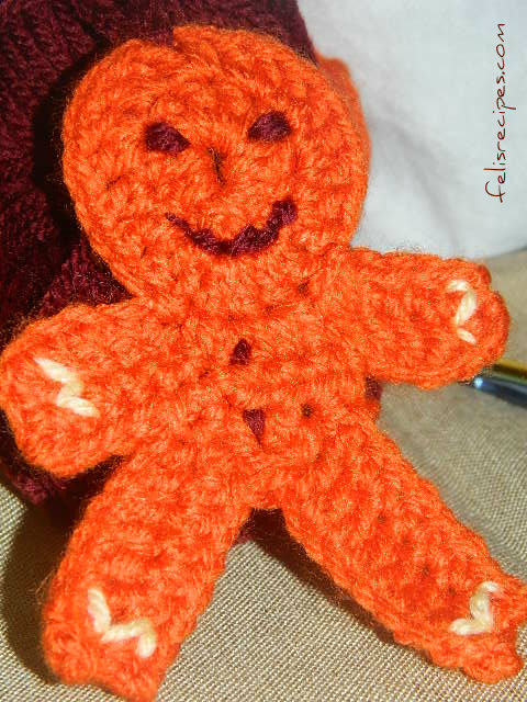 gingerman-christmas-tree-ornament-2