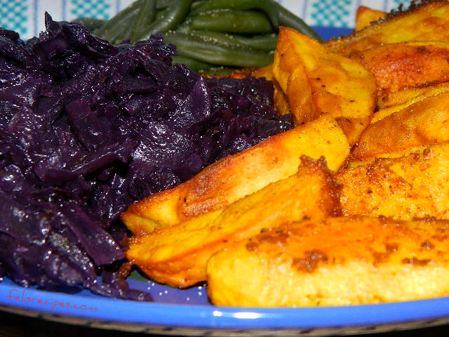 turmeric-roasted-potatoes-with-green-beans-and-red-cabbage